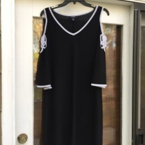 ❤️MSK Black With White Ribbon Cold Shoulder Dress